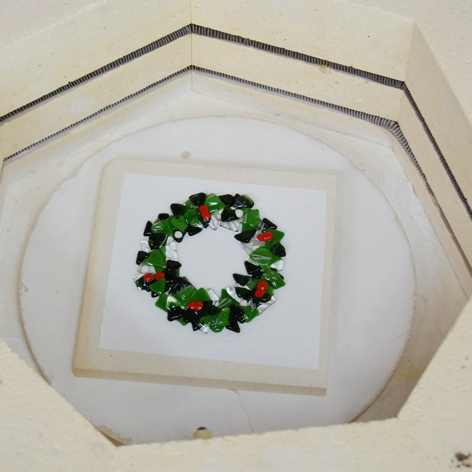 Free Fused Wreath Project Guide Fusing Delphi Glass